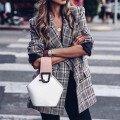 Жакеты, пиджаки и жилеты женские
