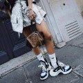 Кроссовки со шнурками женские